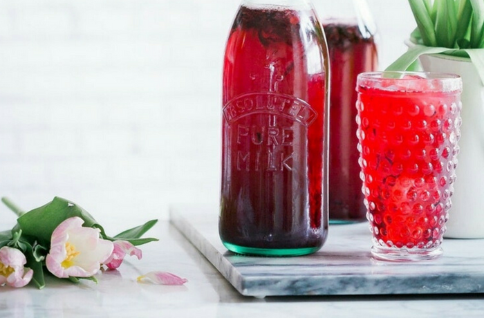 Your Cold Brew Hibiscus Tea for Summer Hormone Balance